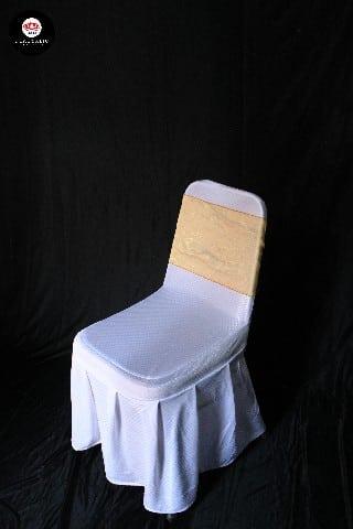 Kursi futura cover putih + pita gold