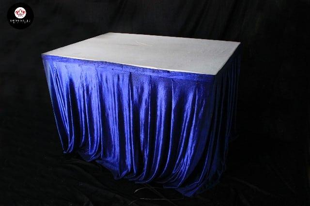 Meja kotak cover biru